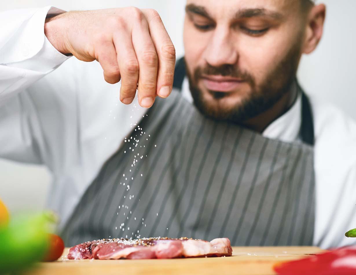 """""""Gdy żona dobrze gotuje, drogę do serca męża znajduje."""" – Aleksander Fredro"""